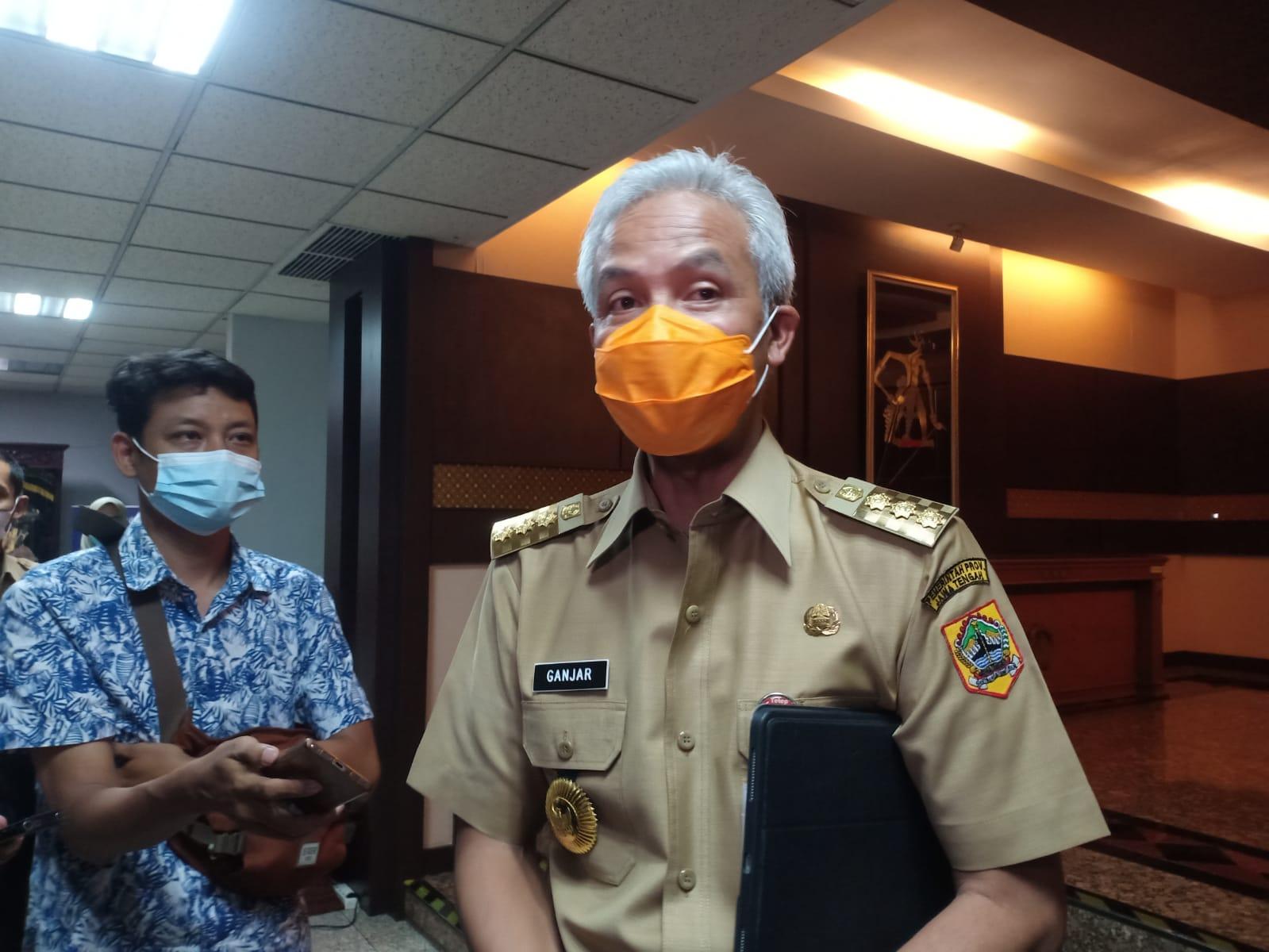 Gubernur Jawa Tengah, Ganjar Pranowo usia rapat penanggulangan Covid-19, Senin (11/10/2021), Rezanda Akbar D./Lingkar.co