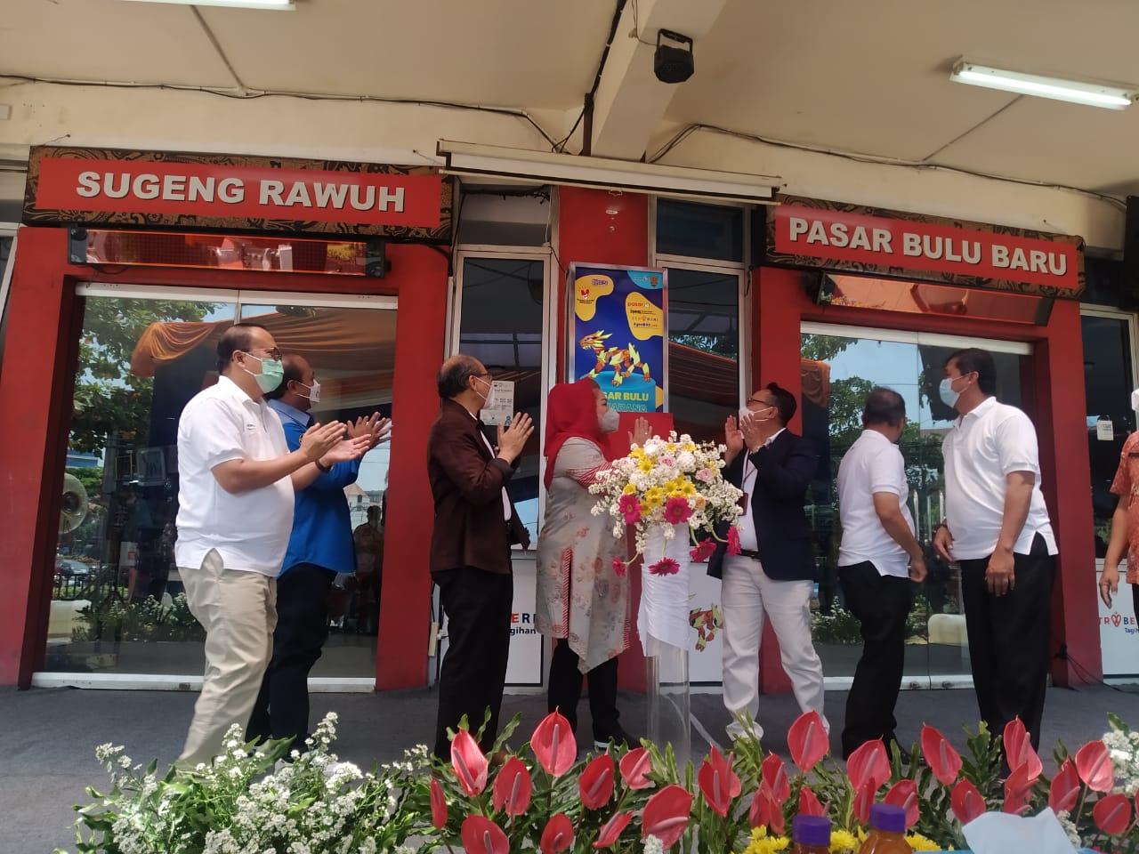 BRI meluncurkan pasar tradisional digital di Pasar Bulu, Kota Semarang, Jawa Tengah, Kamis (7/10/2021). FOTO: Tito Isna Utama/Lingkar.co
