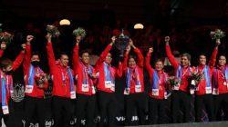 Tim bulu tangkis putra Indonesia keluar sebagai juara Piala Thomas setelah menundukkan China 3-0 pada laga final yang berlangsung di Ceres Arena, Aarhus, Denmark, Minggu (17/10/2021). HUMAS PBSI/Lingkar.co