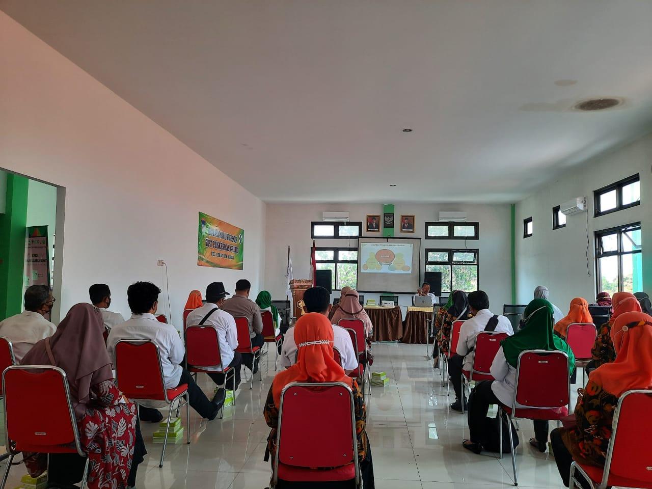 SOSIALISASI: DKK Kudus sedang melakukan sosialisasi kepada Kader Desa di Kecamatan Gebog, Kamis (7/10).