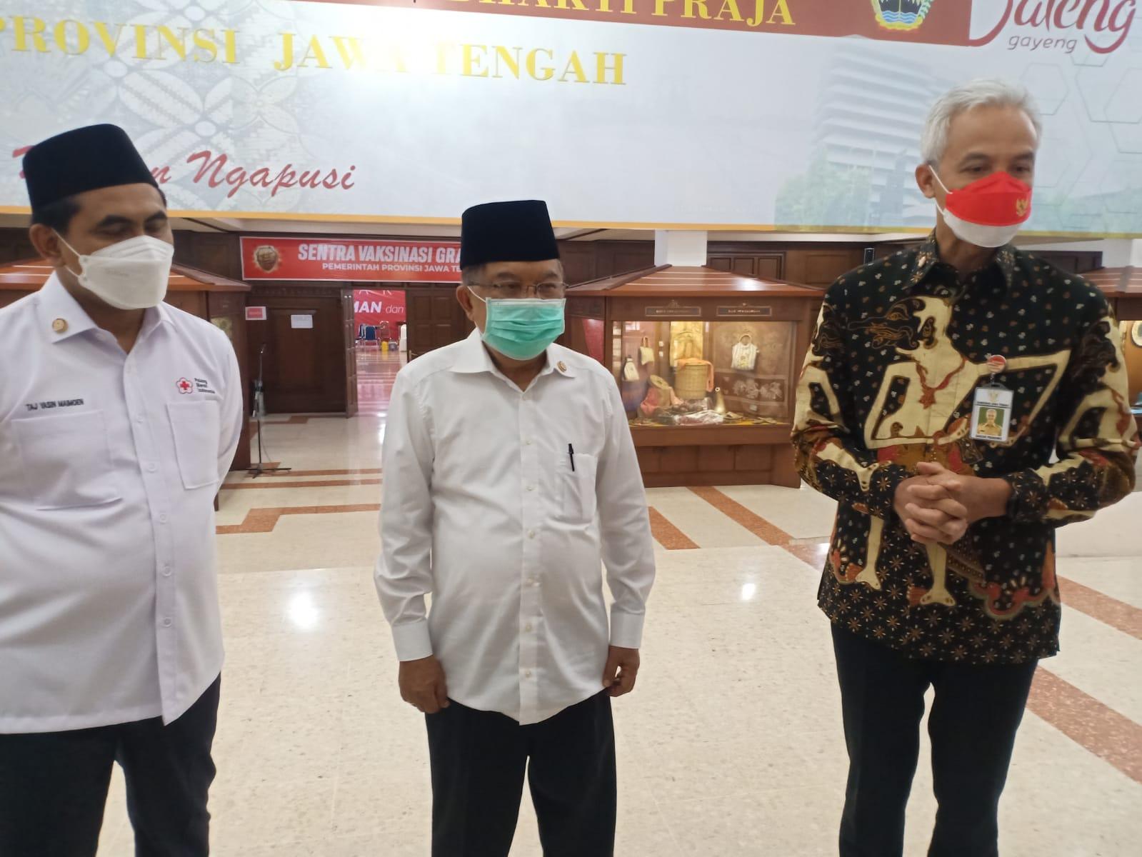 Ganjar JK Gus Yasin usai rapat pelantikan pengurus PMI/Rezanda Akbar D